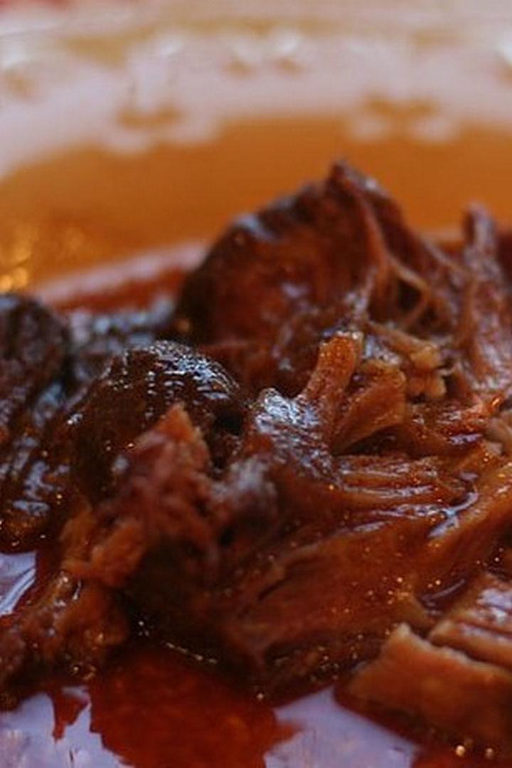 26 Crock Pot Dump Meals - Boneless country style BBQ ribs.