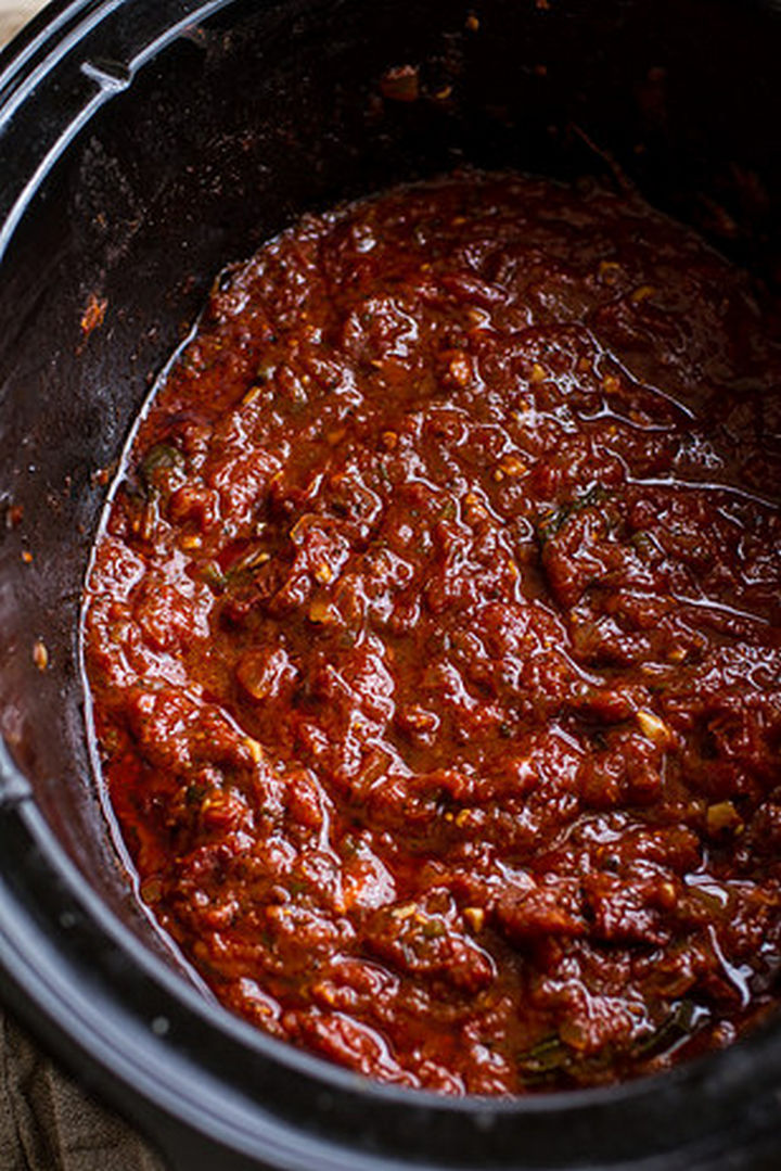 26 Crock Pot Dump Meals - Crockpot Sunday sauce