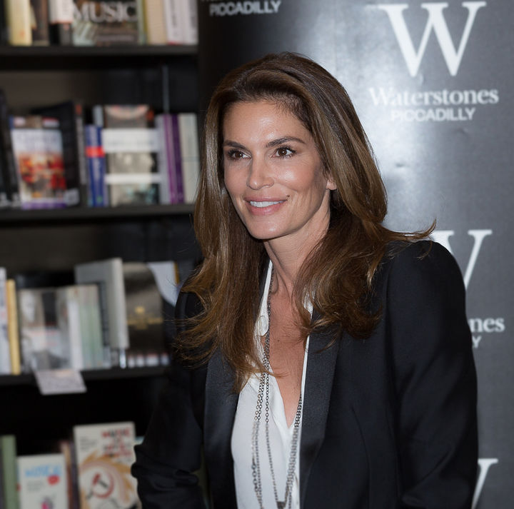 Cindy Crawford has been successfully modeling for over 30 years and she still looks youthful as ever.