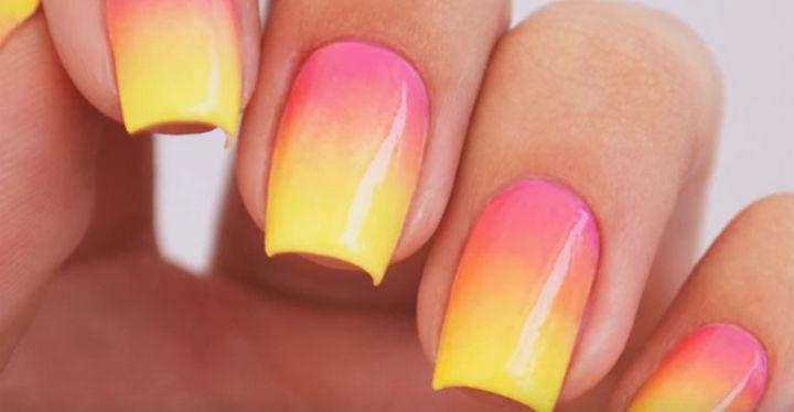 Perfect ombré nails.