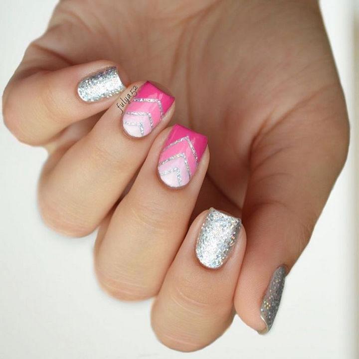 Chevron ombré nails look so gorgeous!