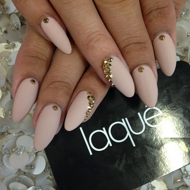 20 Matte Nails - Nude matte nails with gold studs looks so pretty.