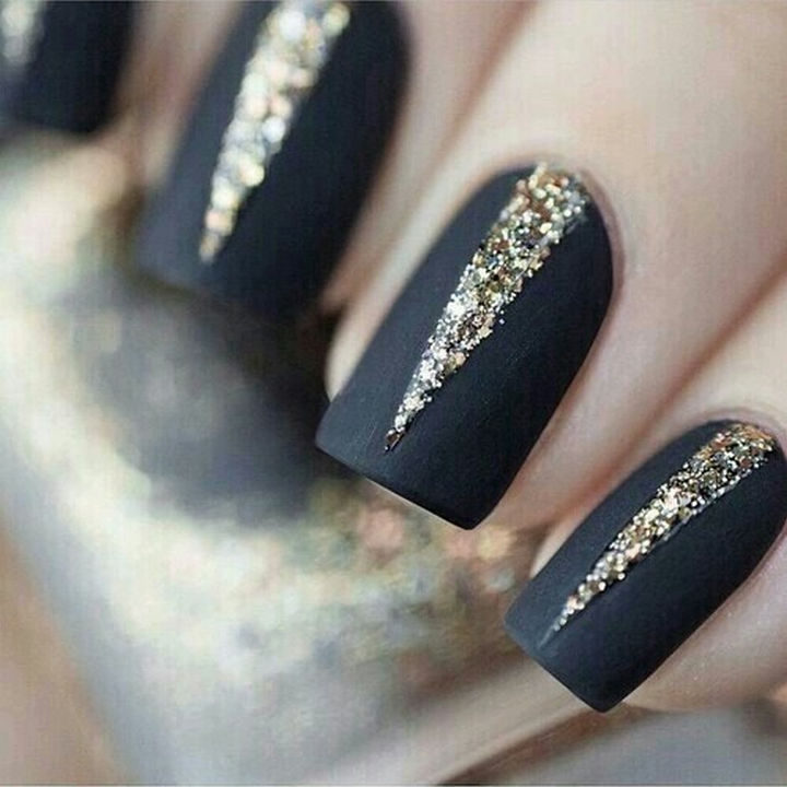 15 Matte Black Nails Bursting At The Seams With Glitter