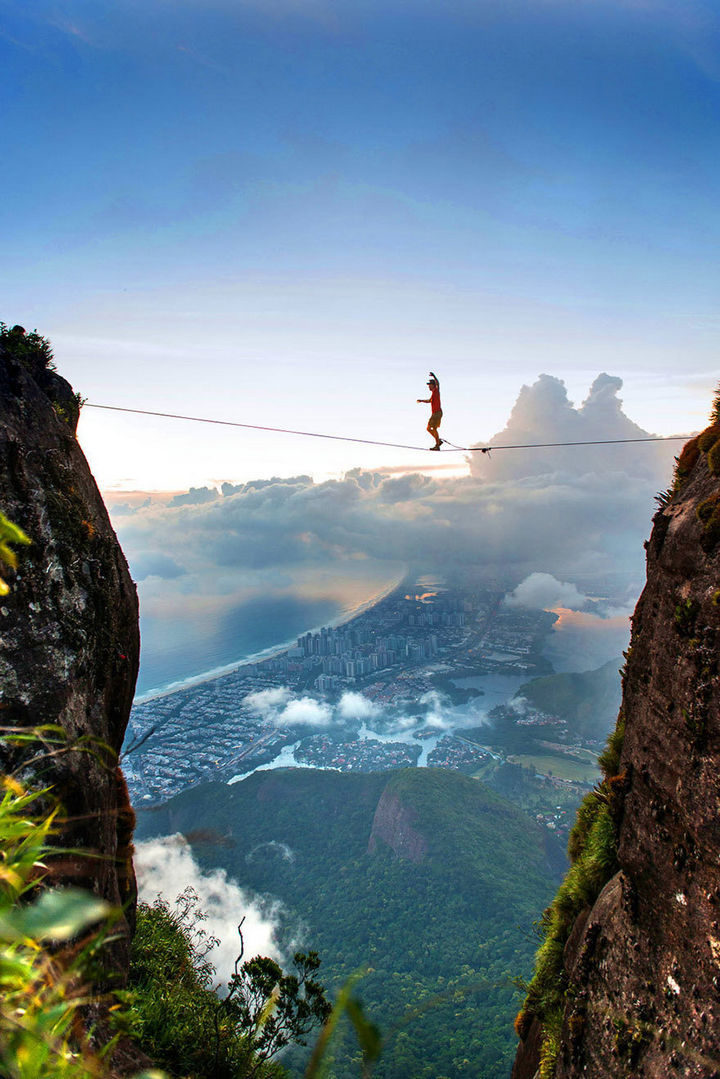 32 People Who Look Fear in the Eyes - What a view.