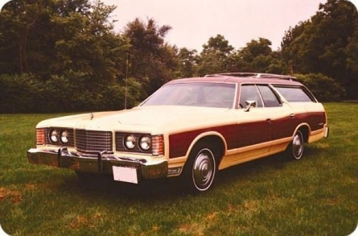 34 Things If You Grew Up in the 60s or 70s - You thought your parent's station wagon with the wood trim was the coolest car ever.