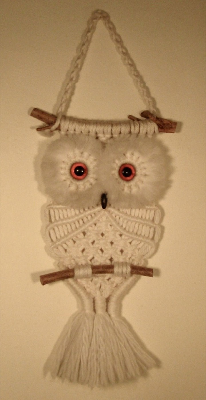 34 Things If You Grew Up in the 60s or 70s - There was a macramé owl hung on the wall in almost every home.