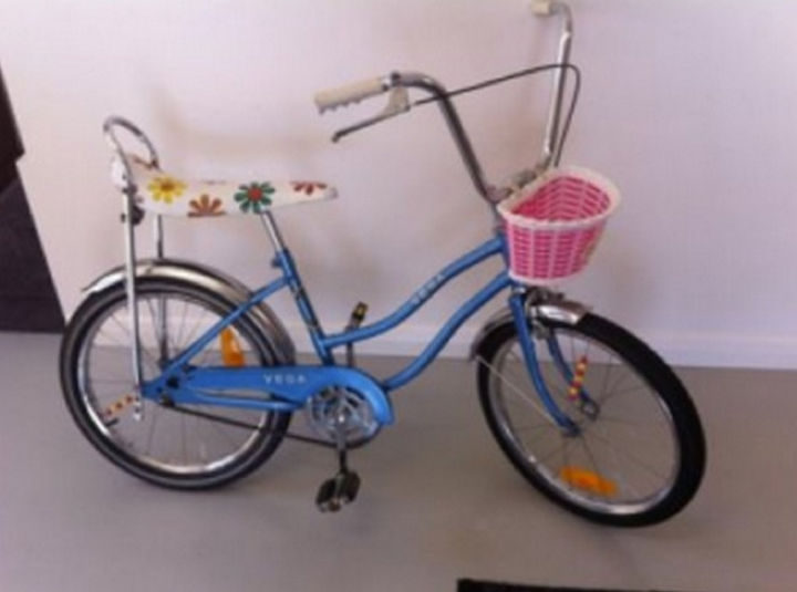 34 Things If You Grew Up in the 60s or 70s - Your bike had to have a flowered banana seat and a basket.