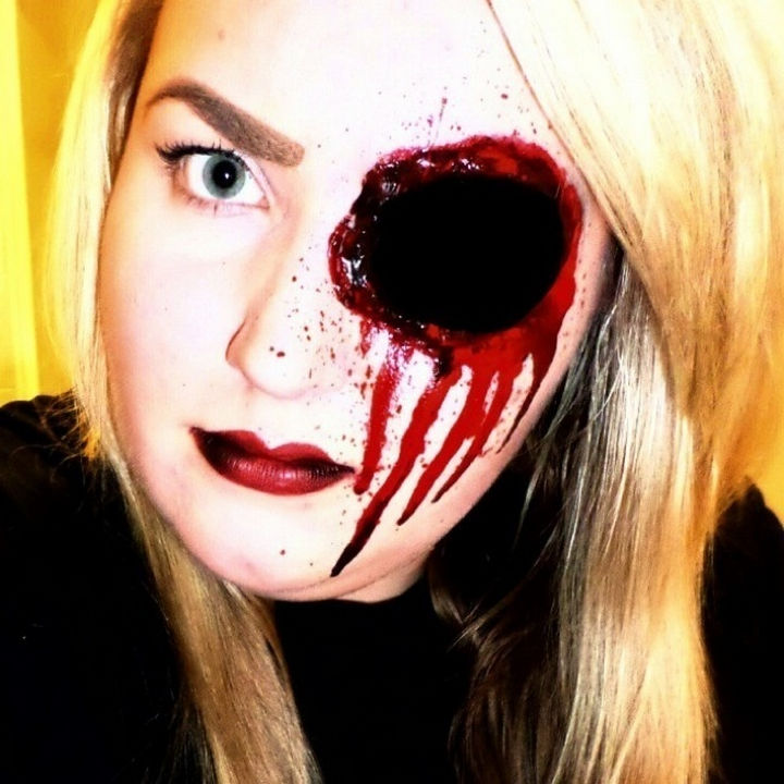 37 scary face halloween makeup ideas gaping hole in the head - Face In Hole Halloween