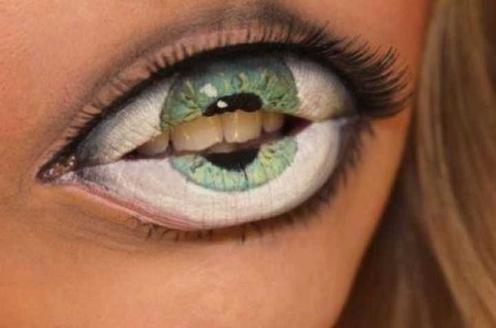 37 Scary Face Halloween Makeup Ideas - Eye lips.