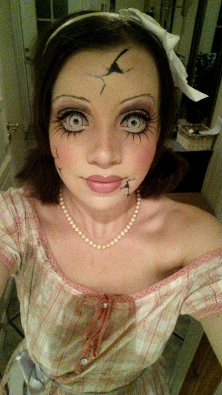 37 Scary Face Halloween Makeup Ideas - Creepy doll.