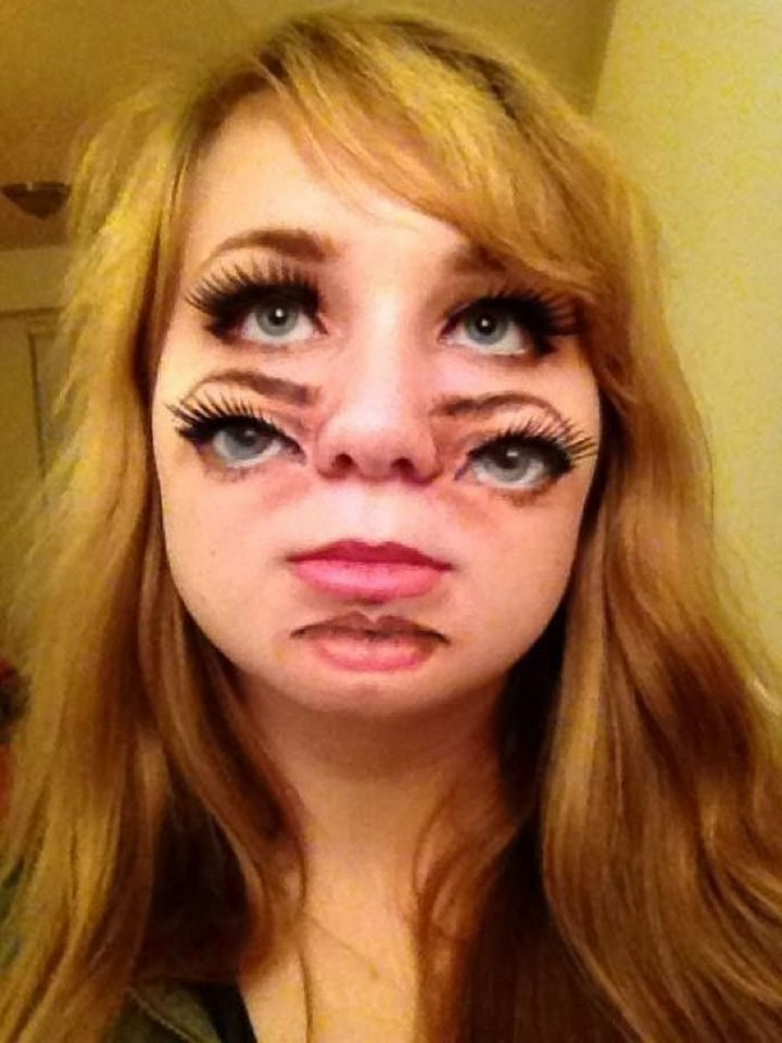 37 Scary Face Halloween Makeup Ideas - Double face.
