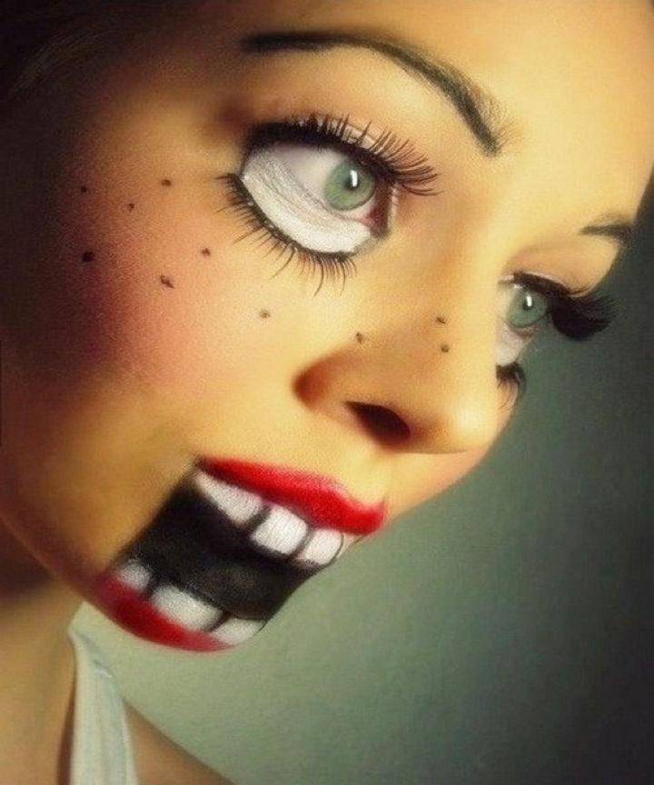 37 Scary Face Halloween Makeup Ideas - Ventriloquist doll.