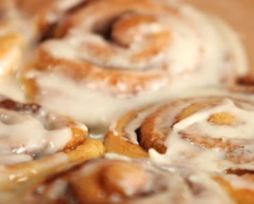How to Make Deliciously Easy Cinnamon Rolls in Only 30 Minutes