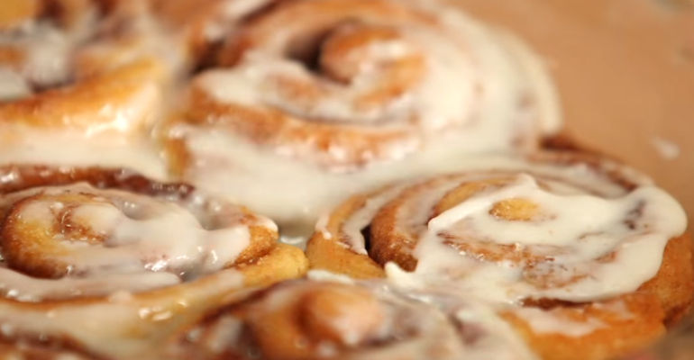 How to Make Easy Cinnamon Rolls in 30 Minutes Featured