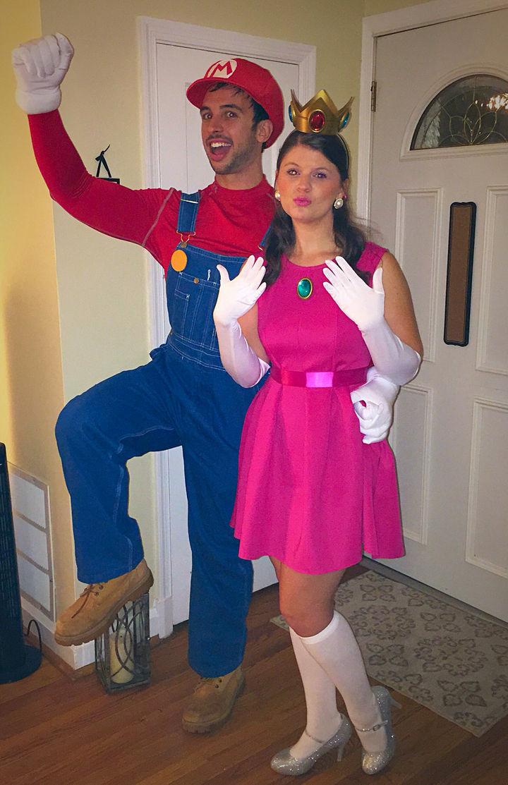 23 Super Mario and Luigi Costumes - Super Mario costumes and Princess Peach looking great!