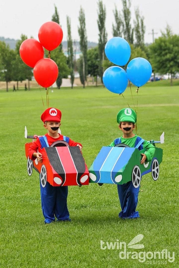 23 Super Mario and Luigi Costumes - DIY Super Mario and Luigi in Mario Kart Battle Mode!