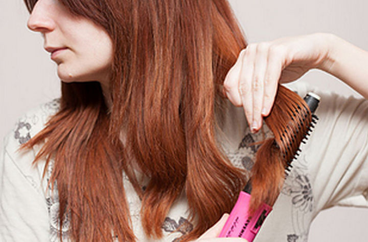 25 Lazy Girl Hair Hacks - Use a hot air brush to dry AND style your hair at the same time.