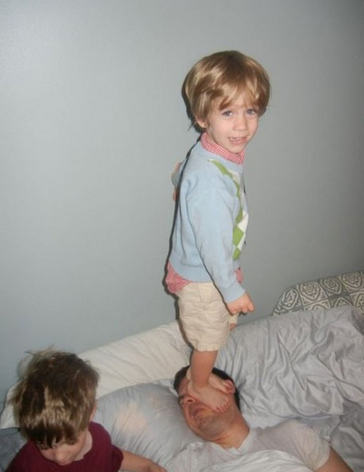 30 Reasons Why Kids Are the Worst - They have no respect for other people. See what I mean?