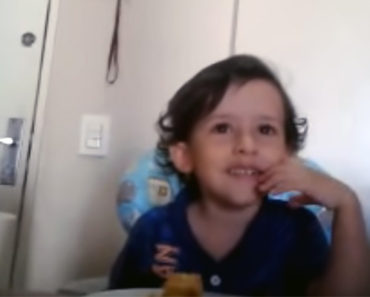 3-Year-Old Boy Asks Why He Has to Eat His Seafood. His Other Question Brought His Mom to Tears…