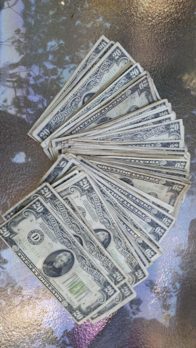 man-finds-box-full-money-his-ceiling-during-renovations-16