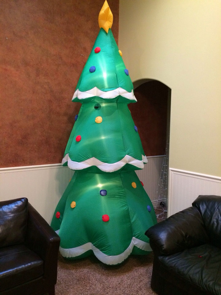"""16 Funny Dads - This dad who was asked to get a tree they """"didn't have to decorate."""""""