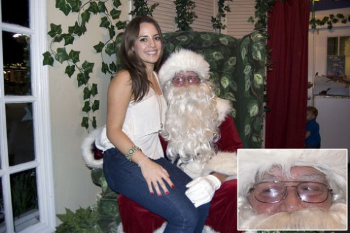 18 Embarrassing Photos - Bad Santa just got caught looking.