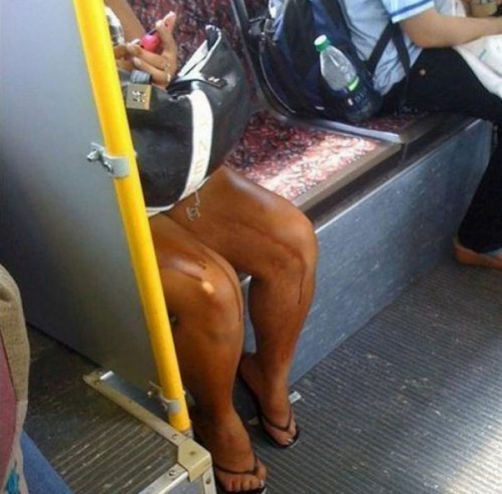 18 Embarrassing Photos - Her tan is leaking...