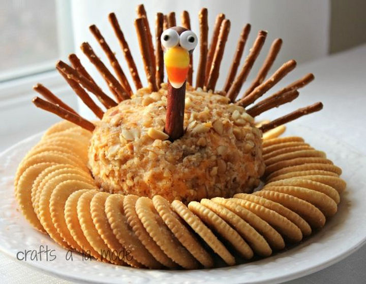 20 Top Pinterest Thanksgiving Recipes - Thanksgiving Turkey Cheese Ball.