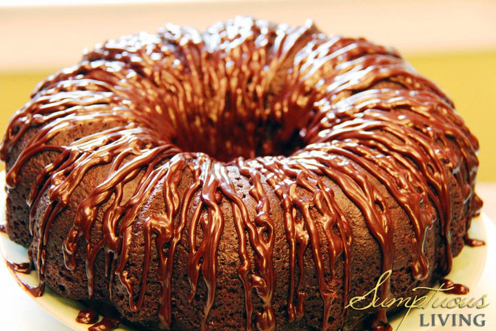 20 Top Pinterest Thanksgiving Recipes - Mandy's Triple Chocolate Kahlua Cake.