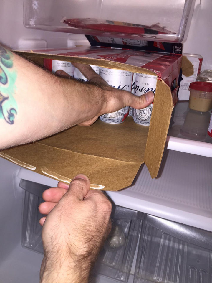 21 Everyday Life Hacks - Easily empty beverage crates by opening both ends and pulling out the box.
