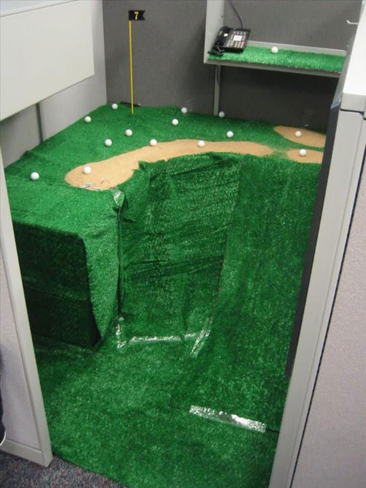 26 Funny Office Pranks - Fore!