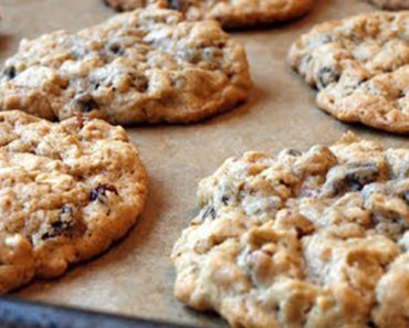 She Mixed Three Ingredients and Created the Easiest and Healthiest Cookies Ever!