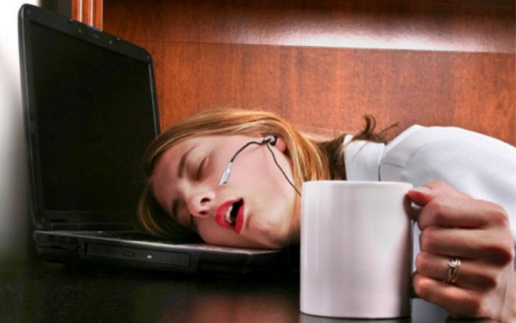 women-need-more-sleep-because-their-brains-work-harder-04