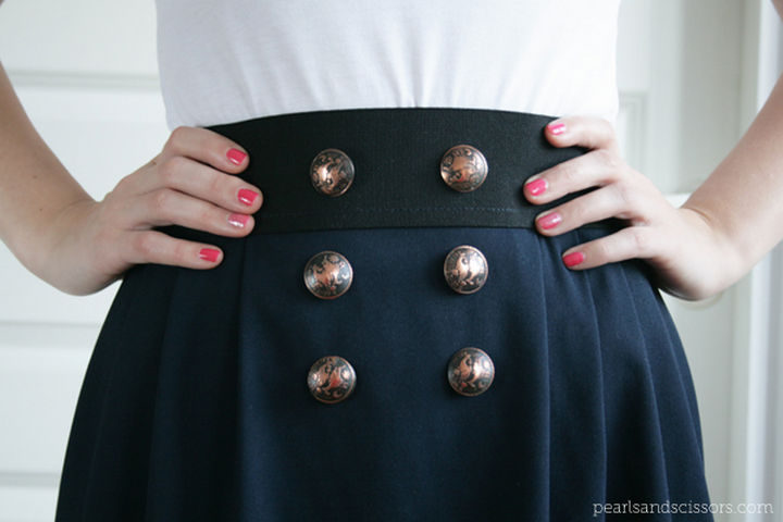 18 DIY Winter Clothes and Accessories - Make a DIY simple pleated skirt that looks great.