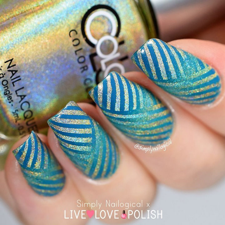 18 Reverse Gradient Nails - Gorgeous aqua color nails with incredibly creative use of striping tape.