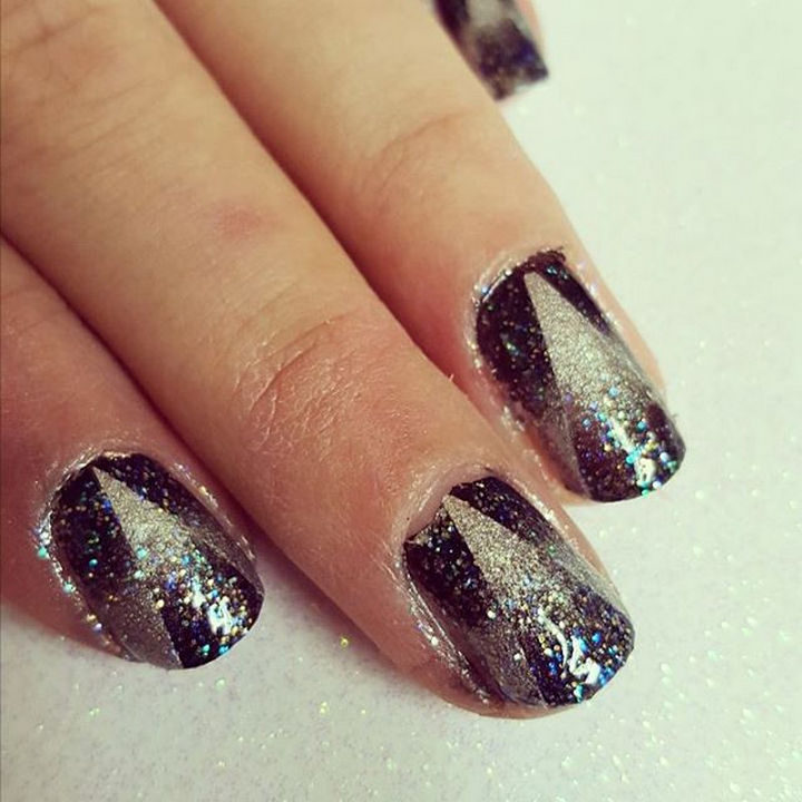 18 Reverse Gradient Nails - Gorgeous triangle design gives the illusion of forward and reverse gradients.
