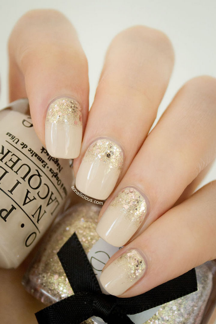 18 Reverse Gradient Nails - Golden Hour reverse glitter gradient nails inspired by the opulence of Abu Dhabi and Dubai.