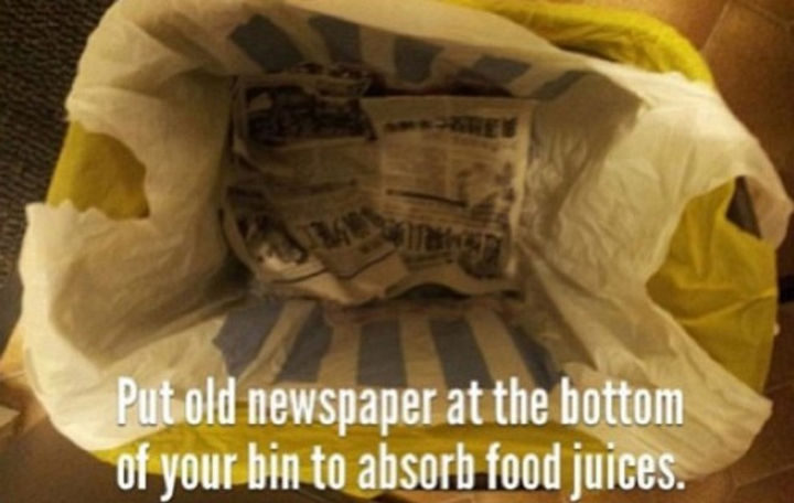 26 Simple Life Hacks - Taking out the garbage can leave a stinky leaky mess but not with this tip.