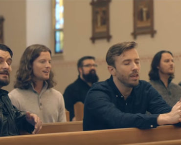 Peter Hollens and Home Free Perform 'Amazing Grace'.