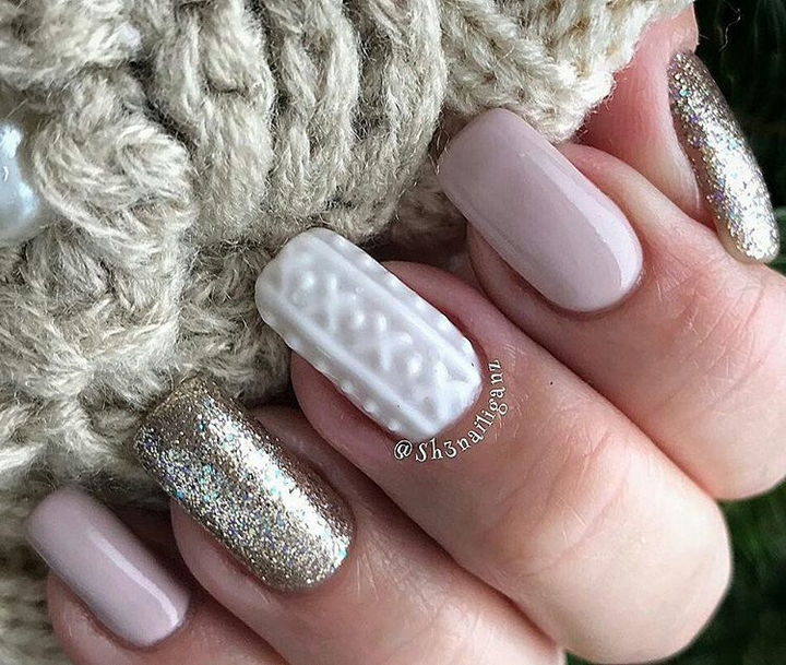10 Winter Sweater Nails - Nude, glitter, and sweater come together in a stunning style that can carry you from Christmas to New Year's.