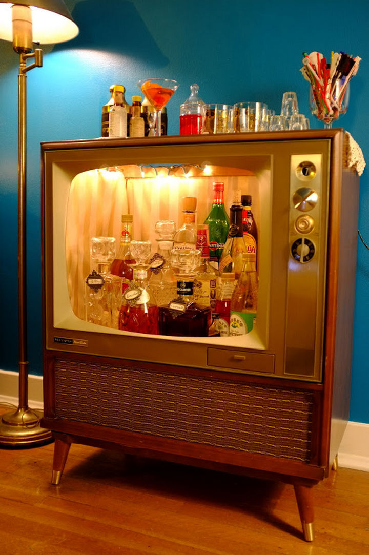 18 diy bars and bar carts perfect for the home or patio 18 diy bars and bar carts tv mini bar solutioingenieria Image collections