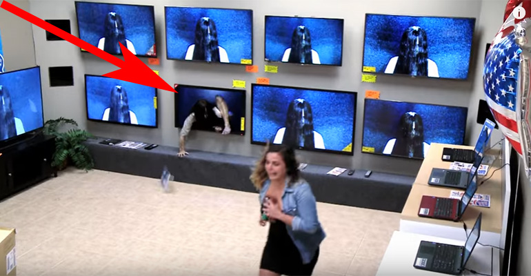 TV Store Prank Promotes the Movie Rings by Scaring Unsuspecting Customers.