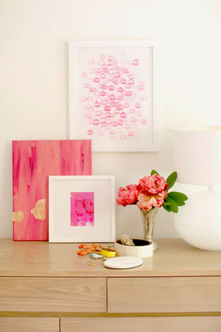 27 DIY Valentine's Day Crafts - DIY kiss artwork lets you paint with your lips.