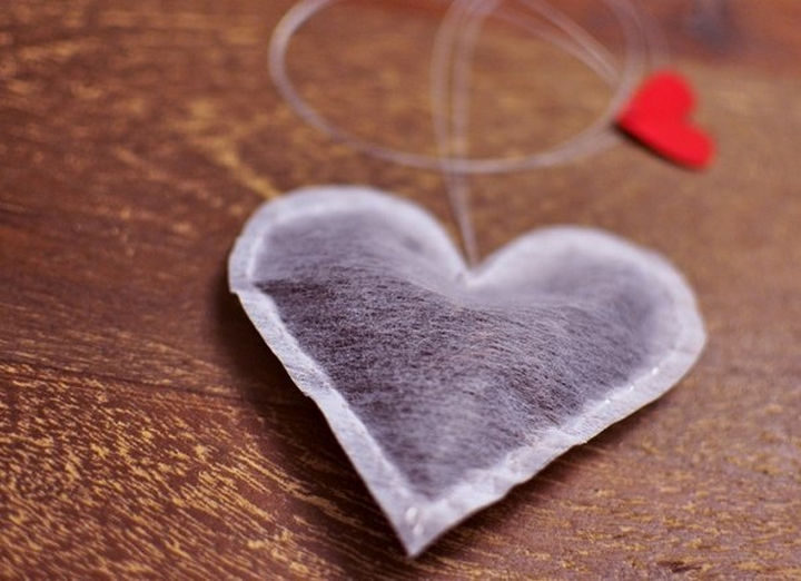 27 DIY Valentine's Day Crafts - Surprise them with heart shaped tea bags.