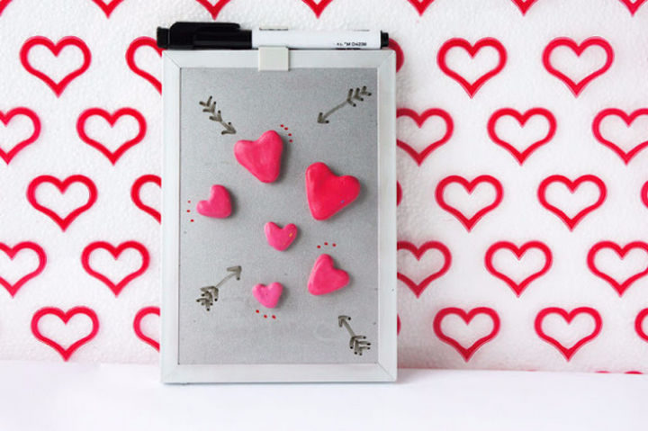 27 DIY Valentine's Day Crafts - Create DIY heart magnets.