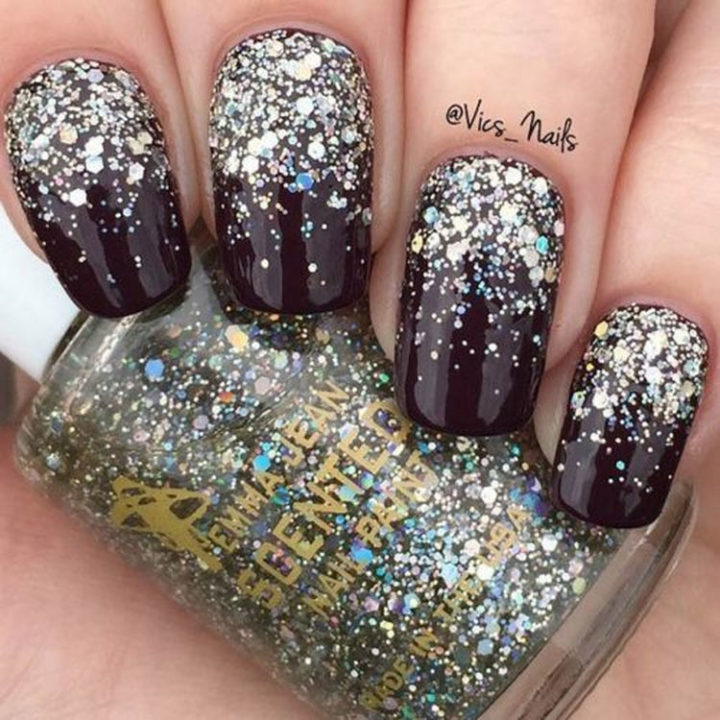 17 Winter Nail Designs - A glitter gradient for perfect winter nails.