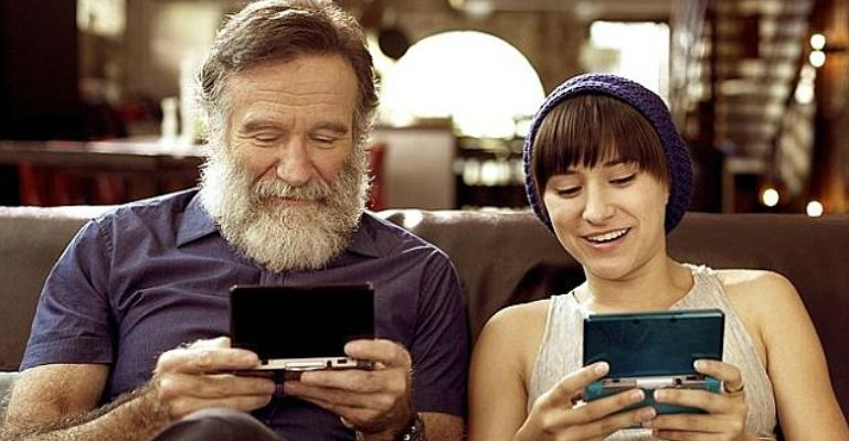 Robin Williams' Daughter Zelda Williams Playing Nintendo's Legend of Zelda for Charity.