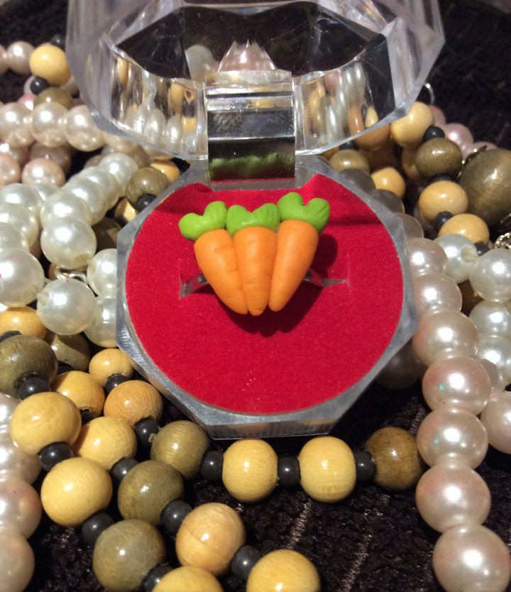 13 Handmade Gifts from Etsy - 3 Carrot Ring In Ring Box