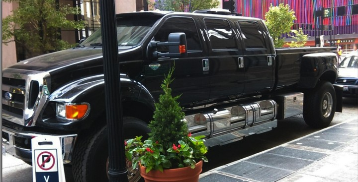18 Funny Images - One word: overcompensating.