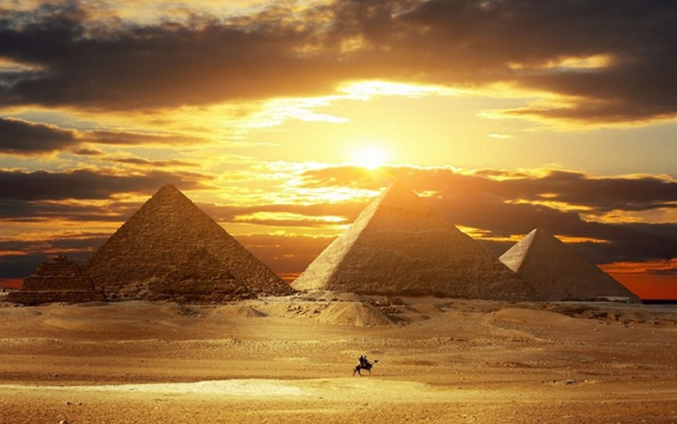 27 Beautiful Sunsets - The Pyramids of Giza, Egypt.